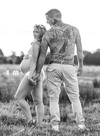 Amazing Maternity Photo Ideas. Rikki-Lee